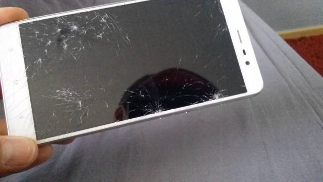 Điện thoại Xiaomi Redmi Note 4 / 4X Vỡ mặt kính