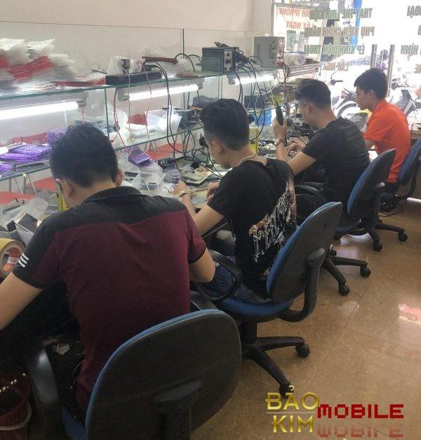 Chúng tôi sẽ giúp khách hàng xử lý triệt để tình trạng pin Samsung bị lỗi