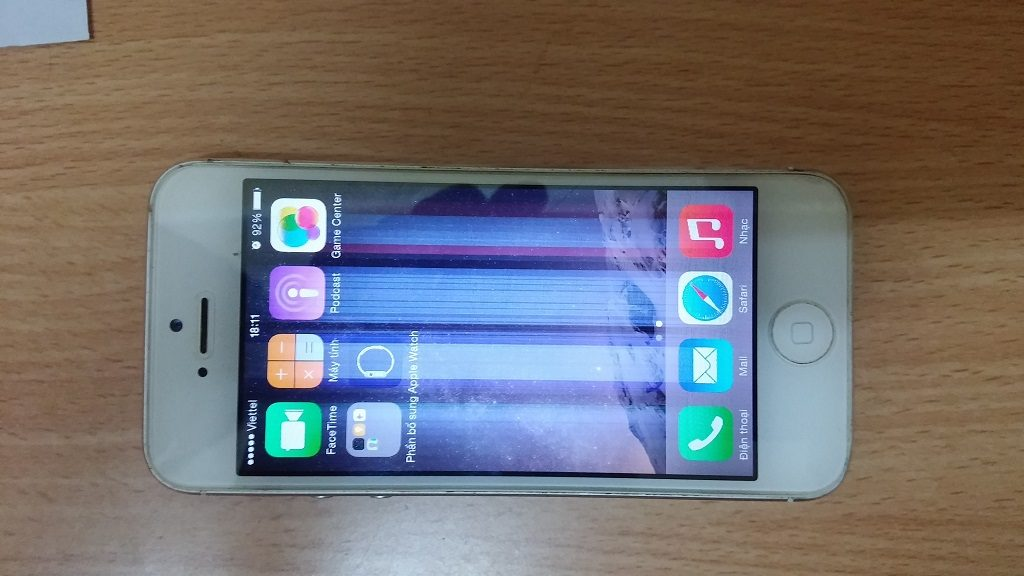 iPhone 5 bị lỗi sọc màn hình