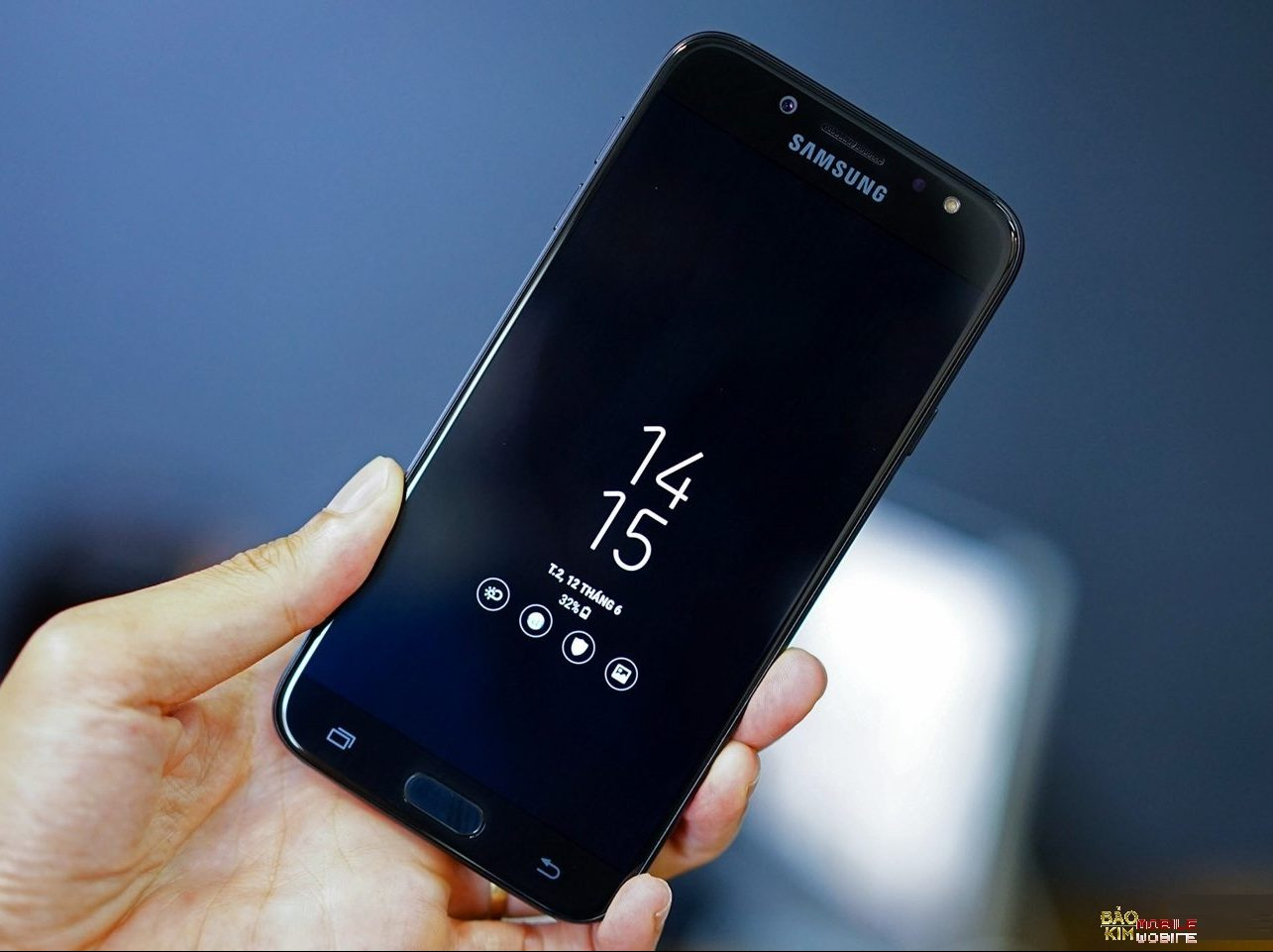 Thay màn hình Samsung J7 Pro tại Hà Nội
