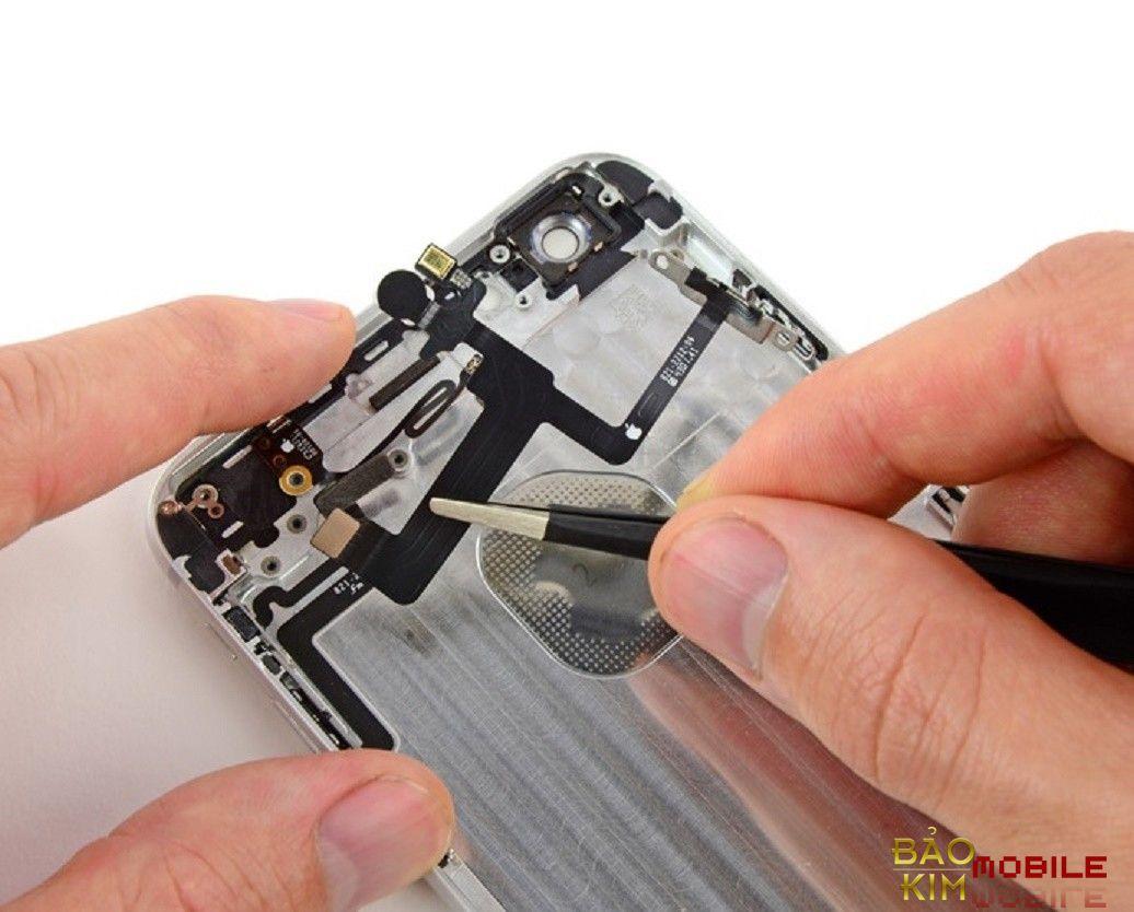 Thay nút nguồn iPhone 6, 6 Plus