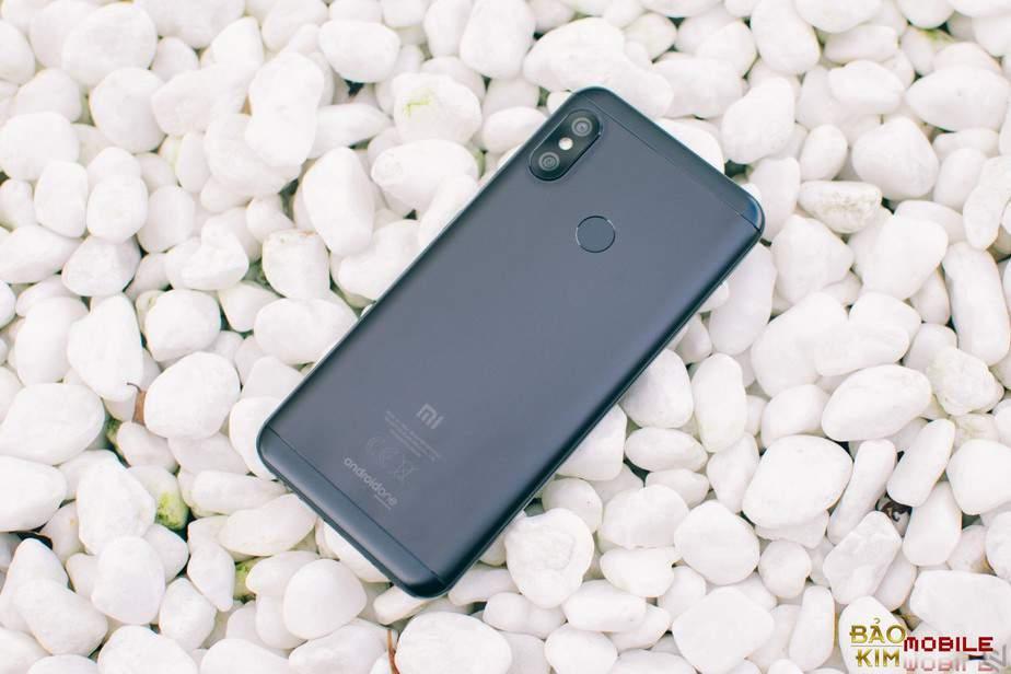 Thay pin Xiaomi Mi A2 Lite ( Redmi 6 Pro )