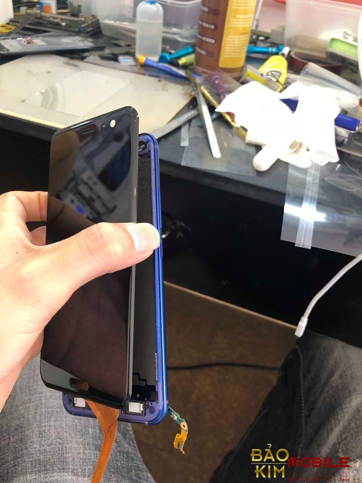 Thay mặt kính HTC U11 giá rẻ lấy ngay