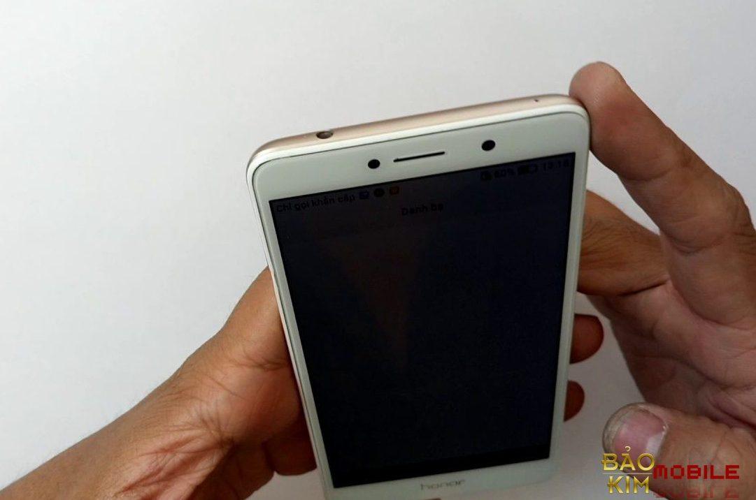 Tại Bảo kim mobile thay mặt kính Huawei GR5 lấy được luôn.