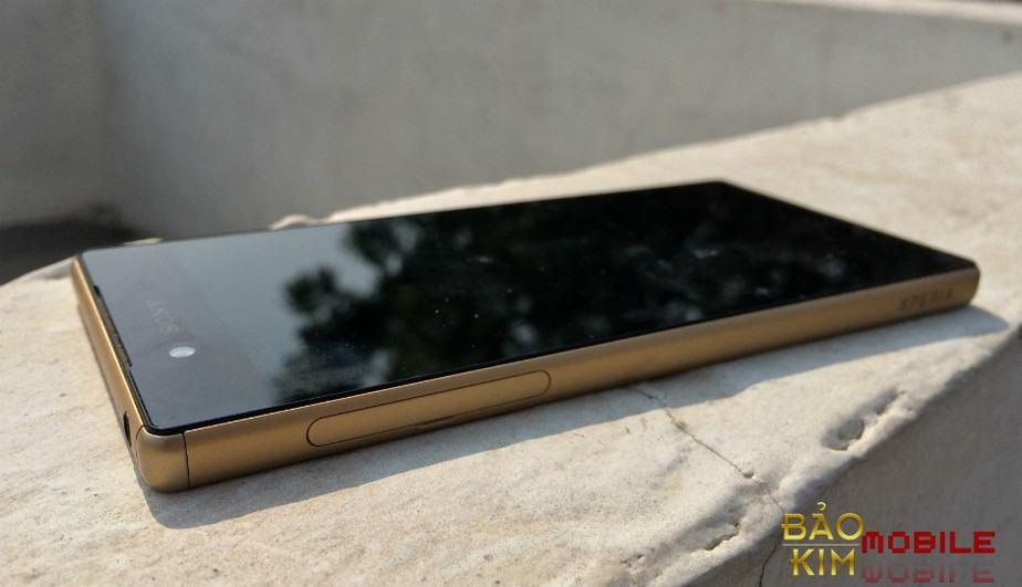 Phải thay mặt kính cảm ứng Sony Z5 chủ yếu từ lỗi người dùng.
