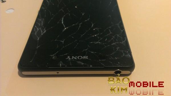 Hình ảnh Sony Z4 vỡ kính, chết cảm ứng