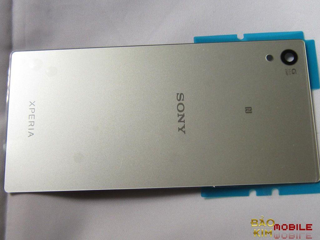 Thay nắp lưng Sony Z5, Z5 Premium