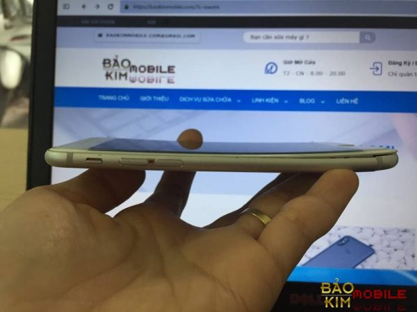 Sửa iPhone 6, 6s bị cong vỏ, cong khung xương