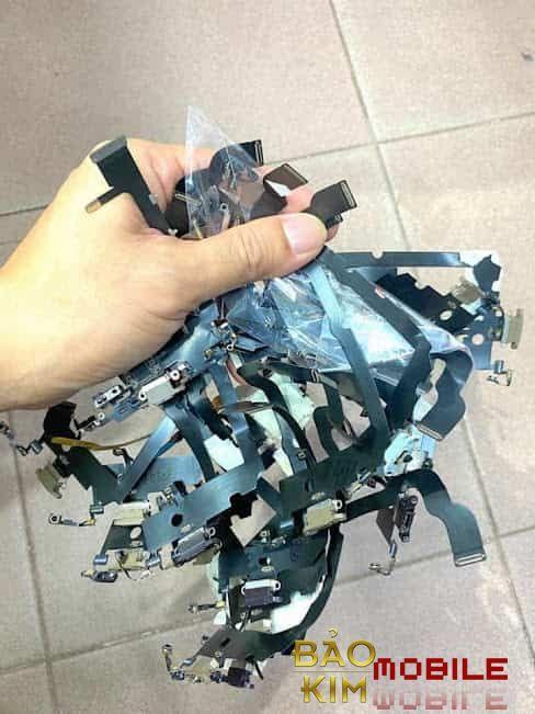 Thay chân sạc iPhone X, XS, XS Max, Xr