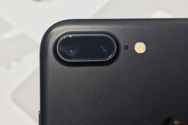 Bảo kim cam kết sau khi thay kính camera iPhone 7, 7 Plus đẹp như Zin