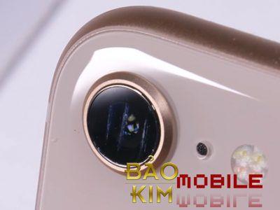 Thay kính camera iPhone 8, 8 Plus tại Bảo kim mobile không phải bung máy.