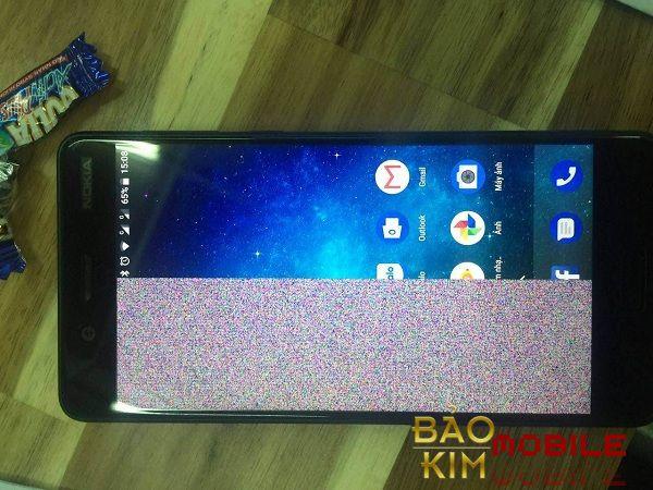 Hình ảnh điện thoại Nokia lỗi 1 nửa màn hình