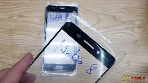 Thay mặt kính Nokia 8, 8 Pro, 8 Sirocco