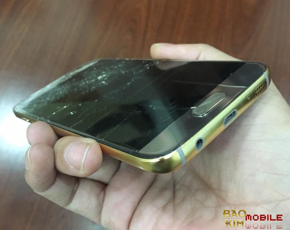Hình ảnh điện thoại vỡ kính & phải thay mặt kính Samsung S6