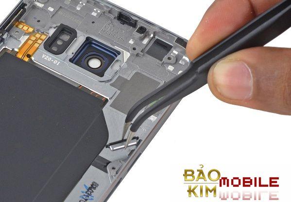 Thay nút nguồn Samsung