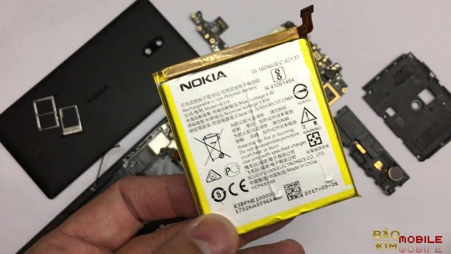 Cần quan sát tình trạng để thay pin Nokia 3 kịp thời