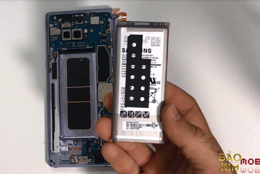 Bạn không cần xả pin điện thoại cứ xài thoải mái đi