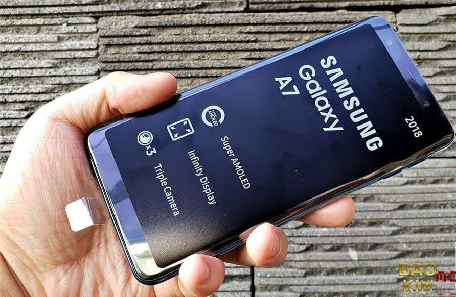 Thay pin Samsung A7 2018