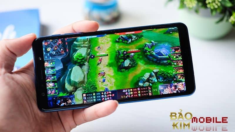 Chơi game mượt mà sau khi ép kính Samsung A7 2018