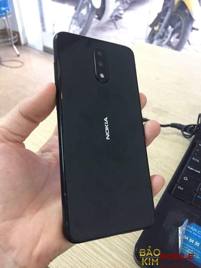 Thay nắp lưng Nokia X5, x6 giá rẻ