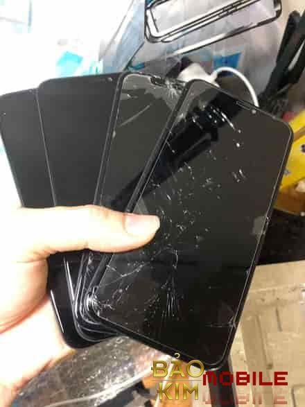 Thay mặt kính iPhone XR