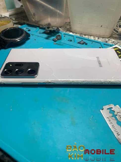 Thay nắp lưng Samsung Note 20 Ultra