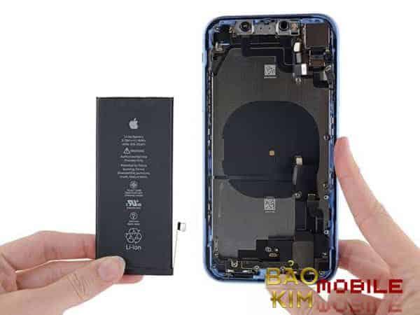 Gía thay pin iPhone Xr rất rẻ
