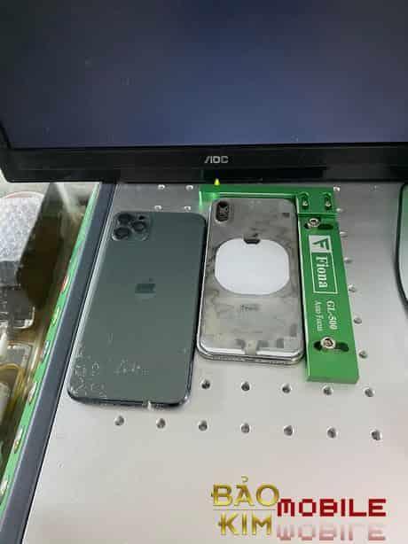 Kỹ thuật tách, thay nắp lưng iPhone Xr