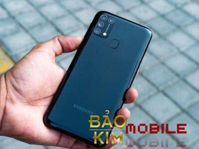 Thay pin Samsung M31